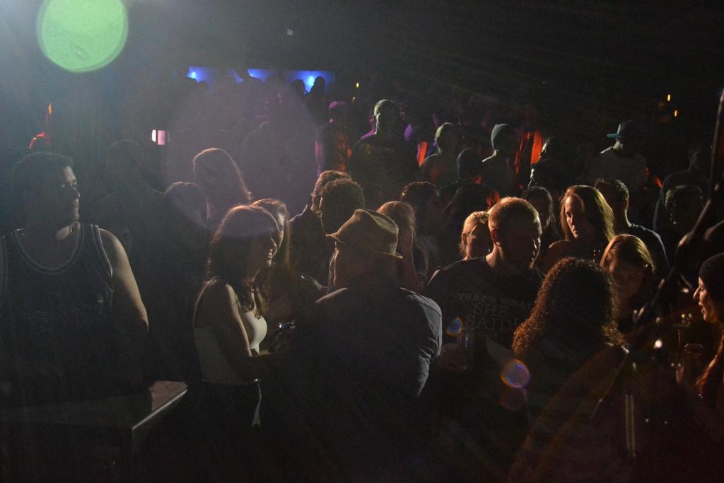 Crowd mingling