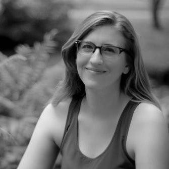 Rebecca Evanhoe Headshot